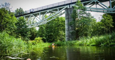 Most kolejowy nad Korytnicą